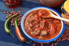 Prepare this flavorful stew for a heart family meal. This spicy curry recipe will give you just the right amount of heat, but can always be kicked up to the next level! Spicy Curry Recipe, Spicy Chili, Curry Recipes, Chili Recipes, Crockpot Recipes, Soup Recipes, Cooking Recipes, Healthy Recipes, Beef Curry Stew