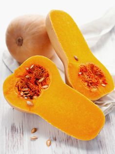 We love butternut! It's delicious, economical, healthy and – above all – versatile, and here we share are our favourite scrumptious ways with butternut… Squash Fries, Healthy Fries, Curried Butternut Squash Soup, Roasted Butternut, Real Food Recipes, Healthy Recipes, Healthy Habits, Fall Recipes, Diet Recipes