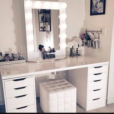 Need this setup in my life. Next time this picture is on my instagram, it will be my own #vanity#vanitydesk#makeupdesk #allwhite#whiteinterior
