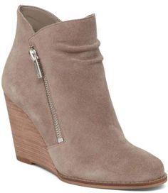 c9966de8825e Jessica Simpson Women s CORNELLA Ankle Bootie