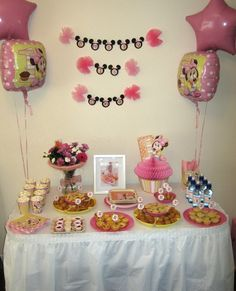 Cute Minnie Mouse display for 1st birthday