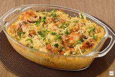 Aprenda esta receita de galinhada de forno, que além de ser muito prática e deliciosa, é uma opção para o almoço de domingo!