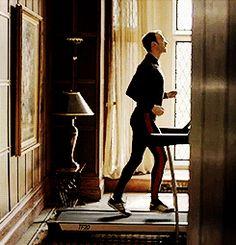 "arrogantanupapaya: ""superwholock-is-my-spirit-animal: "" I'm so sorry gif credit [x] "" this is appropriate don't apologize "" Mycroft Holmes, Sherlock Holmes Benedict Cumberbatch, Moriarty, Sherlock Season 3, Sherlock Fandom, Sherlock Bbc, Jeremy Brett, Andrew Scott, Holmes Brothers"