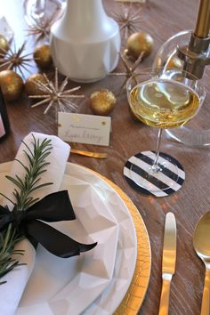 Holiday entertaining via Elements of Style with Kate Spade New York.