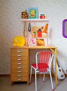 dormitorio infantil nordico 2 500x675 Habitación para niños a tope de color