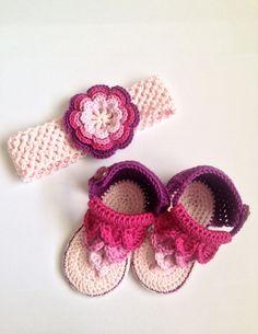 Cadeau pour bébé - Bandeau et sandales - Ensemble au crochet - Baby Shower : Mode Bébé par wool-story