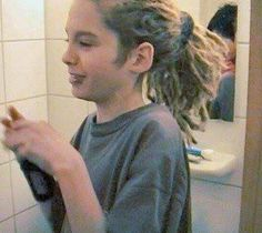 """little cute #TomKaulitz I really love that guy he is so amazing wonderful and as #GeorgListing said once : he's a narcissistic fucker :"""")"""