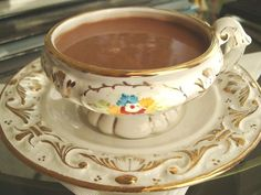 Peruvian Chocolatada: a hot chocolate prepared with sweetened condensed milk, Brandy, heavy cream, butter, spices, and whipped cream. @perudelights