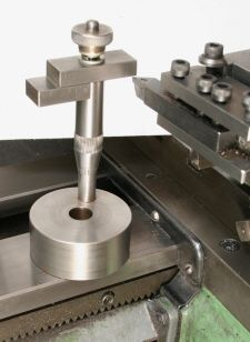 Lathe tool height gauge