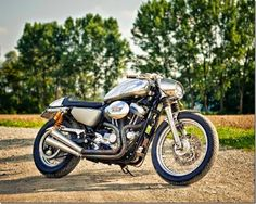 HARLEY SPORTSTER CAFE RACER - DK MOTORRAD - GOODHAL GARAGE