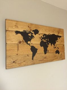 rustic wooden world map made from reclaimed pallet. Black Bedroom Furniture Sets. Home Design Ideas