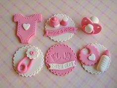 Such cute cupcake toppers! Baby shower fondant...