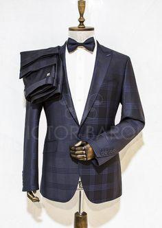 http://urun.n11.com/takim-elbise/victor-baron-yeni-sezon-ekoseli-consept-takim-elbise-P111857597