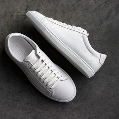 White Shoes Outfit, Sneakers Outfit Men, White Shoes Men, White Fashion Sneakers, Best Sneakers, Casual Sneakers, Casual Shoes, White Sneakers For Men, Mens White Leather Sneakers