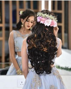 How can bridal hair extensions help a bride create her desired wedding hair style? Many brides have a fixed idea of how they would like their hair on their wedding day. Bridal Hairstyle Indian Wedding, Bridal Hair Buns, Indian Bridal Hairstyles, Bride Hairstyles, Men's Hairstyle, Best Bridal Makeup, Bridal Hair And Makeup, Engagement Hairstyles, Hair Up Styles