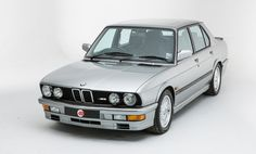 silver bmw E28 M5 | only black ones available in the US  :(