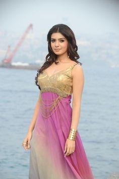 South Indian Beauty Queens : Kajal Agarwal VS Samantha - ..:: TamilMovieRockers ::.. [ Team TMR ]