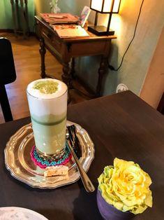 Geheimtipp Zürich: Café Les Gourmandises de Miyuko Cool Cafe, Brunch, Restaurant, Ethnic Recipes, Food, Sweet Treats, Food Cakes, Eten, Restaurants