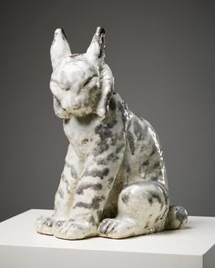 http://www.modernity.se/sculpture-lynx-designed-by-michael-schilkin-for-arabia/