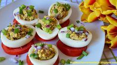 Moje                                                                       Kuchenne Rewelacje  : Jajka faszerowane sardynkami na pomidorach