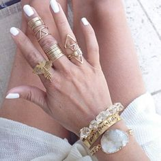 "Find and save images from the ""Jewelry & Accessories"" collection by ♔ D A N I ♔ (danielanow) on We Heart It, your everyday app to get lost in what you love. Jewelry Box, Jewelery, Jewelry Accessories, Jewelry Making, Jewelry Ideas, Bagan, Piercing, Ring Necklace, Earrings"