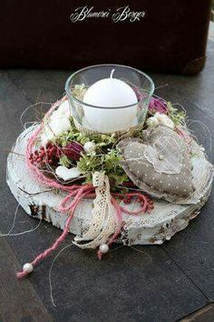 Romantic table decoration with country house charm - Diy Fall Decor - Hochzeit Christmas Wreaths, Christmas Crafts, Christmas Decorations, Xmas, Holiday Decor, Vasos Vintage, Romantic Table, Deco Floral, Decoration Table