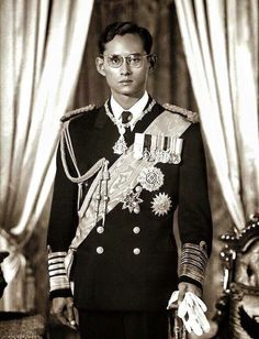 His Majesty The King of Thailand, Long Live the King King Phumipol, King Rama 9, King Of Kings, King Queen, King Thailand, Queen Sirikit, King Photo, Royal King, Bhumibol Adulyadej