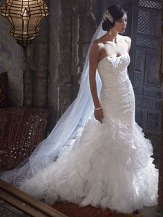 Designer wedding dress rentals in Utah for a fraction of the cost. Schedule an appointment to come see the Galina SWG560 wedding gown!