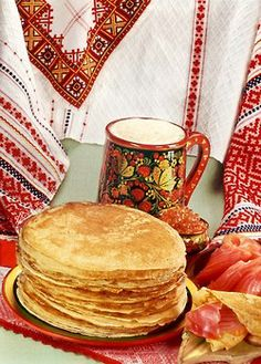 Pancakes with red caviar - a traditional Russian royal feast. Thin Pancakes, Baked Pancakes, Ukraine, Russian Culture, Russian Art, Russian Style, Russian Recipes, Russian Foods, Delish