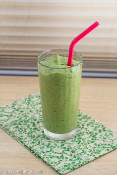 Peach, Avocado, Kale and Date Green Smoothie