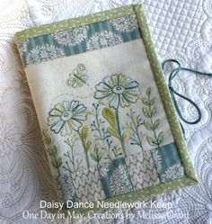 New patchwork bags organizers pin cushions ideas Baby Patchwork Quilt, Patchwork Cushion, Crazy Patchwork, Needle Book, Needle Case, Embroidery Scissors, Embroidery Ideas, Creative Embroidery, Embroidery Stitches