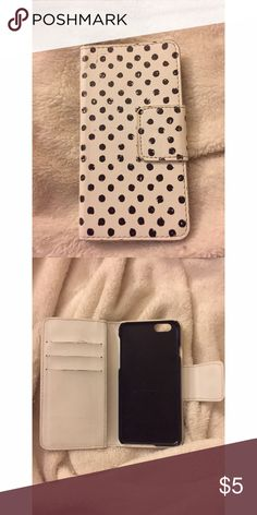 •IPHONE 6 WALLET CASE• Good condition, super handy to carry your phone and cards! No trades, $5 is the lowest price I am offering🌸 Bags Wallets