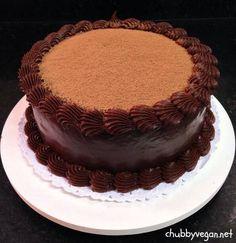 Truffle chocolate cake #vegan #desert #chocolate #chubbyvegan