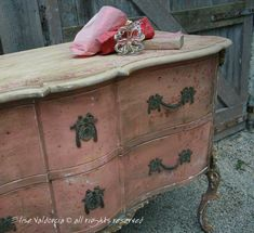 A House Romance: Elise Valdorcia, Artist and Decorator - loooove this piece! looks like a shabby version of our sideboard, kinda gorgeous Chalk Paint Furniture, Hand Painted Furniture, Distressed Furniture, Upcycled Furniture, Shabby Chic Furniture, Furniture Projects, Rustic Furniture, Furniture Makeover, Vintage Furniture