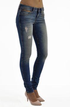 Jeans for women - texasclub. Wrangler Jeans, Blues, Texas, Skinny Jeans, Womens Fashion, Pants, Texas Travel, Trouser Pants, Women's Clothes