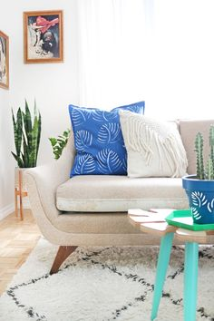 DIY Painted Palm Pillow