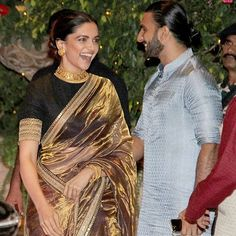 Don't believe reports of Ranveer Singh and Deepika Padukone's Padmavati getting pushed to April the real truth - Good news! Padmavati is releasing this November and Deepika Padukone has almost finished shooting Indian Attire, Indian Wear, Indian Outfits, Indian Dresses, Designer Sarees Wedding, Saree Wedding, Deepika Padukone Saree, Stylish Sarees, Saree Look