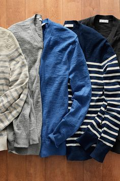Layer up in lightweight cotton sweaters from Gap. Browse v-necks, shawl collars, and hoodies in stripes and solids.