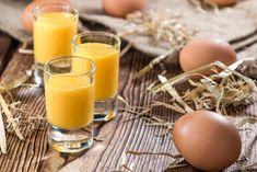 Ajerkoniak przepis na domowy likier Yummy Drinks, Glass Of Milk, Eggs, Baking, Breakfast, Ethnic Recipes, Food, Travel, Evaporated Milk Recipes