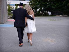 Bryllupsfest for alvorlig kreftsyke Åge - Aftenbladet. Poker, White Dress, Coat, Jackets, Dresses, Fashion, Down Jackets, Gowns, Moda