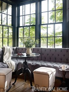 Selecting the right dining banquettes and settees for your kitchen or dining room is not just a matter of style, but also one of function and comfort. Settee Dining, Dining Nook, Kitchen Banquette, Banquette Seating, Corner Seating, Kitchen Seating, Banquettes, Hill Interiors, Rustic Interiors