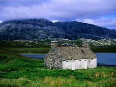 An Abandoned Croft, Loch Stack, Sutherland, The Highlands, Scotland    http://desktopnature.com/Nature-World-Travel/An+Abandoned+Croft_+Loch+Stack_+Sutherland_+The+Highlands_+Scotland.jpg.html?g2_imageViewsIndex=1