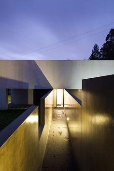Private House In Barcelos / Rui Grazina