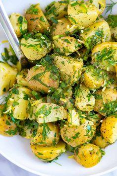Baby Potato Salad, Herbed Potato Salad, Potato Salad No Mayo, Potato Salad Dressing, Potato Salad Recipe Easy, Potato Salad With Egg, French Potato Salad, Red Bliss Potatoes, Baby Potatoes
