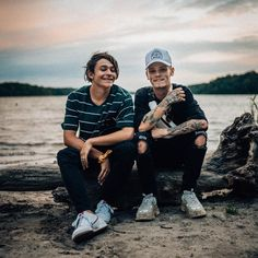 LIGHTHOUSE only 2 days away! Who's excited for the new song and video? We can't wait for you guys to hear it 💜 Matilda Devries, Let You Go, Bars And Melody, London Pictures, Celebs, Celebrities, News Songs, Cute Guys, Cute Pictures
