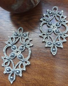 Best 11 Tatyana Buyvolova's photos – SkillOfKing. Tatting Earrings, Tatting Jewelry, Lace Earrings, Lace Jewelry, Tatting Lace, Crochet Earrings, Needle Tatting Patterns, Bead Loom Patterns, Crochet Patterns