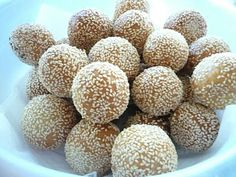 Banh Cam / Deep-Fried Glutinous Rice Ball With Sweet Mung Bean And Coconut Filling Recipe (TrucVy-Zoe's Zone)