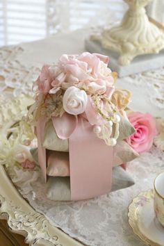 Gorgeous Vintage 3 Almohada Sachet con Rosas de la cinta)