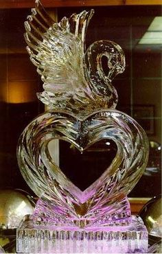 A wedding ice sculpture. Snow Sculptures, Sculpture Art, Ice Sculpture Wedding, Ice Heart, Ice Show, Ice Crystals, Snow Art, Ice Ice Baby, Snow And Ice