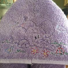 Trabajo vendimia puntada máquina bordado diseño de elefante 2   Etsy Embroidery Files, Machine Embroidery Designs, Design Files, 2 Colours, Elephant, Etsy, Stitch, Blanket, Crochet